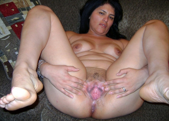 This wide open pussy latina can not