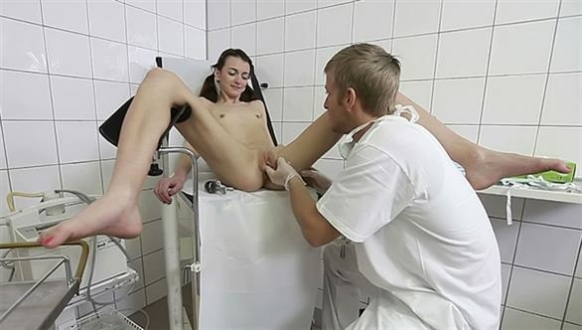 free topless teens photos