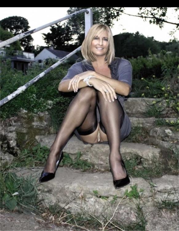 Fiona Phillips Naked 37