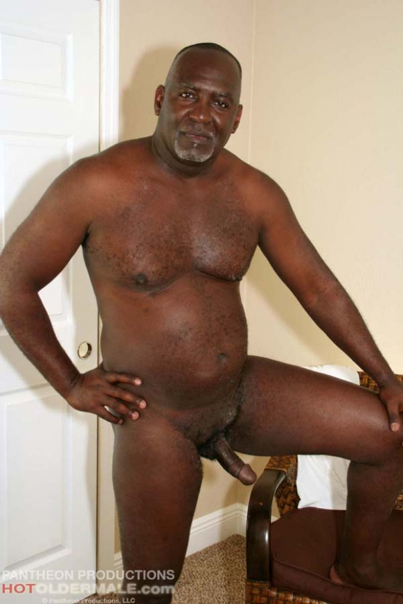 Ebony daddy dick glenn completes the job 7