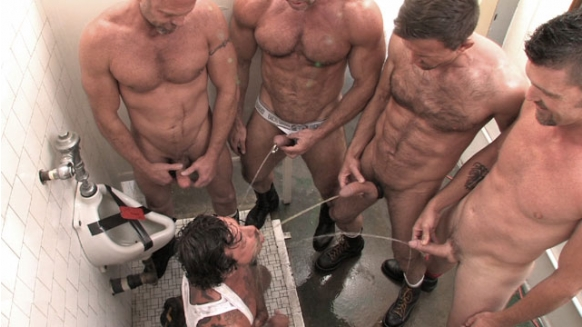 Steamy outdoor fuck for luscious guys