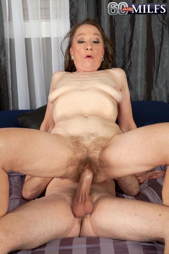 nude plus size mom pics