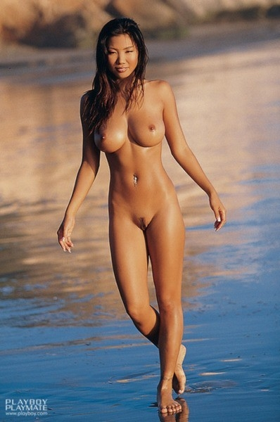 Images of Beach Babe Tits - Amateur Adult Gallery
