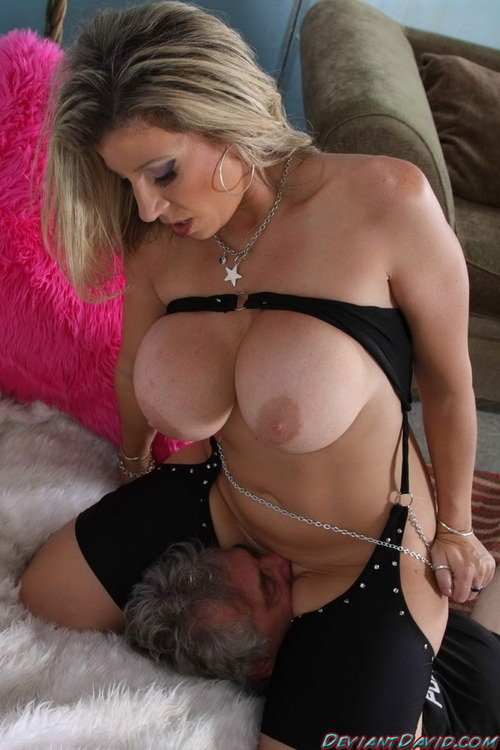 Big boobs facesitting slave