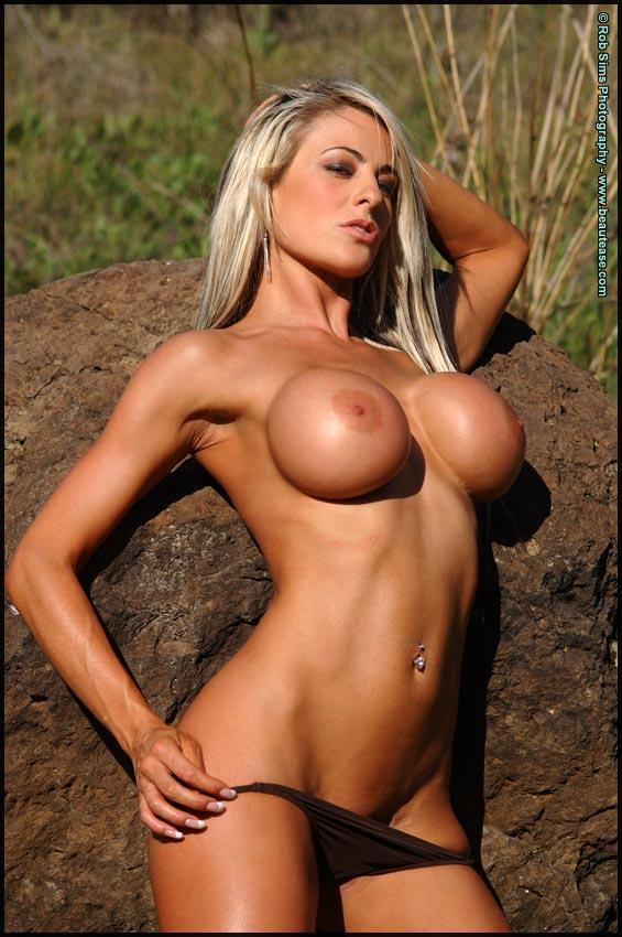 hot fit chick naked